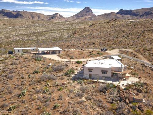 Custom Adobe Home On 200 Acres : Alpine : Brewster County : Texas