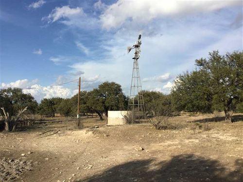 48.64 Acres in Northern Menard Cou : Menard : Texas