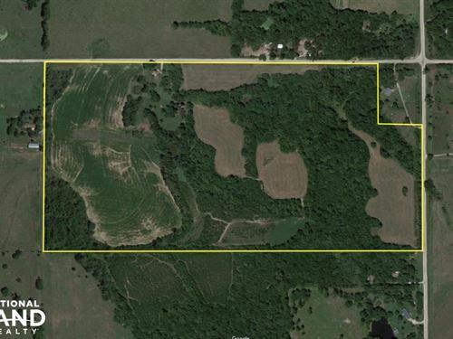 Turn Key Hunting Farm & Home : Mayetta : Jackson County : Kansas