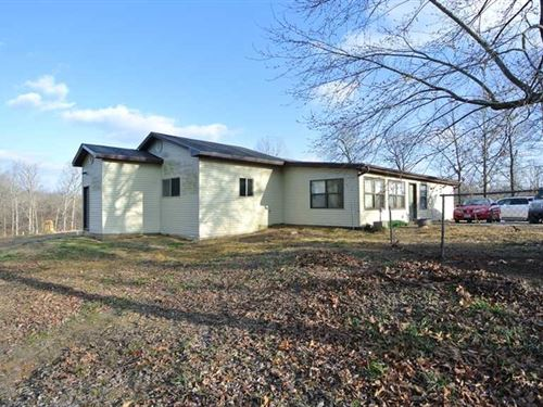 Residential Home on 20 Acres For : Poplar Bluff : Butler County : Missouri