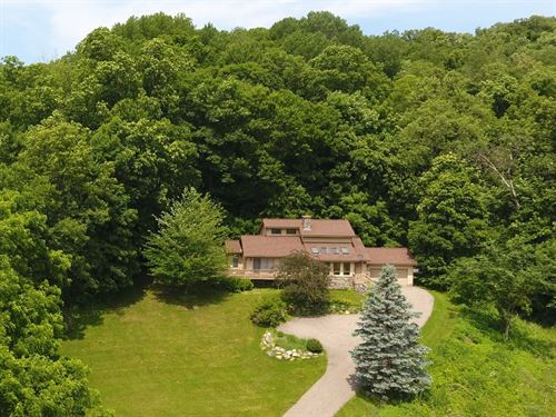 Country Home On 34+/- Acres : Hillpoint : Sauk County : Wisconsin