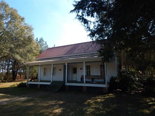 Country Home & 35 Acres : Bassfield : Jefferson Davis County : Mississippi