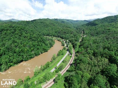 North Toe River Frontage With Excel : Green Mountain : Mitchell County : North Carolina