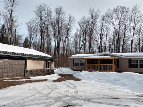 Cute Home Nestled In On 5 Acres : Sherman : Oneida County : Wisconsin