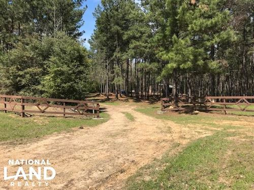 Busy Corner Road Retreat : Liberty : Amite County : Mississippi