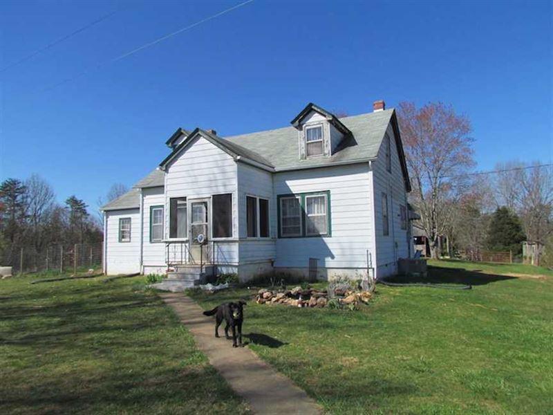 72 Acres of Riverfront Pasture Lan : Dillwyn : Buckingham County : Virginia