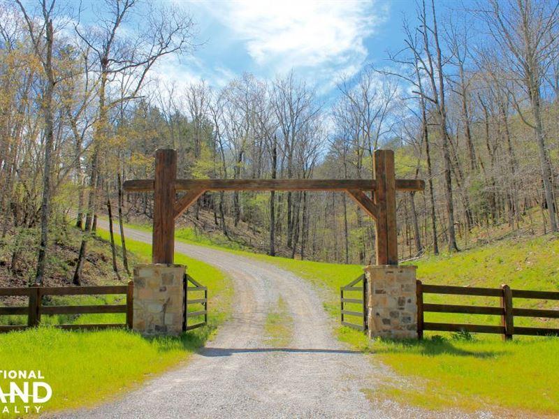 Pine Valley Lodge And Lake Retreat : Jemison : Chilton County : Alabama