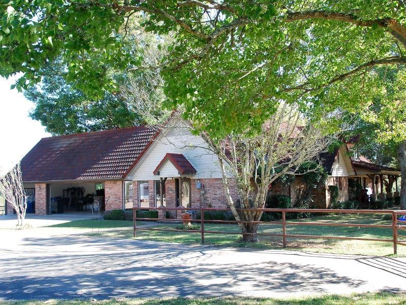 East Texas Ranch : Whitehouse : Smith County : Texas