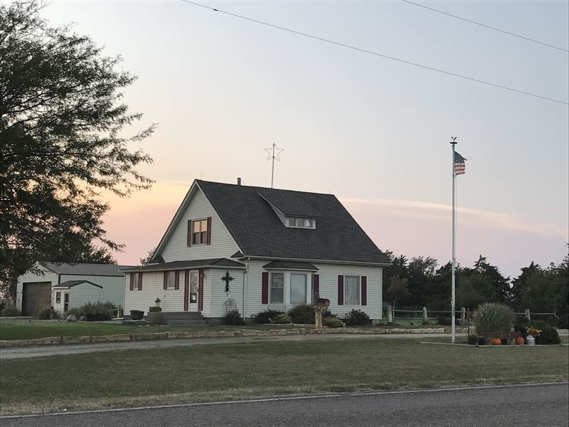 Farmstead & Land In Rice County : Little River : Rice County : Kansas