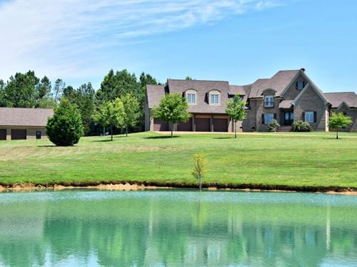 Luxury Retreat : Huron : Henderson County : Tennessee