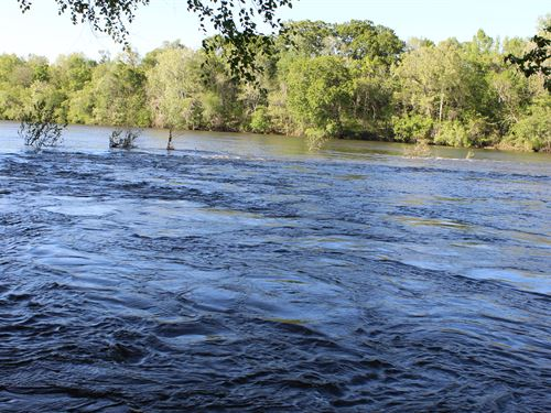 River Frontage Adjoining The City : Wetumpka : Elmore County : Alabama