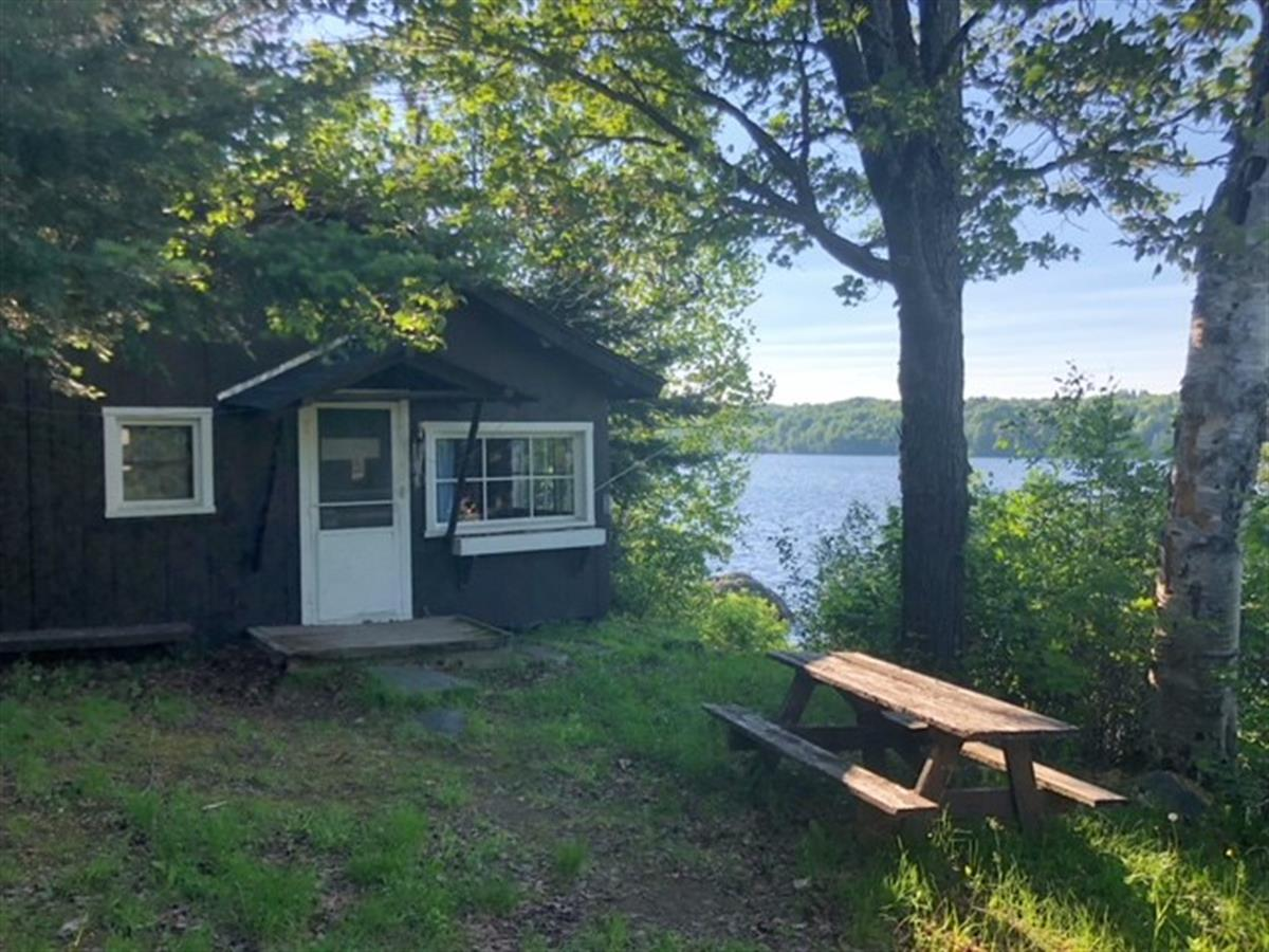 Strange 360 Cardinal Red Rd Mls 1107119 Farm For Sale Michigamme Marquette County Michigan Pdpeps Interior Chair Design Pdpepsorg
