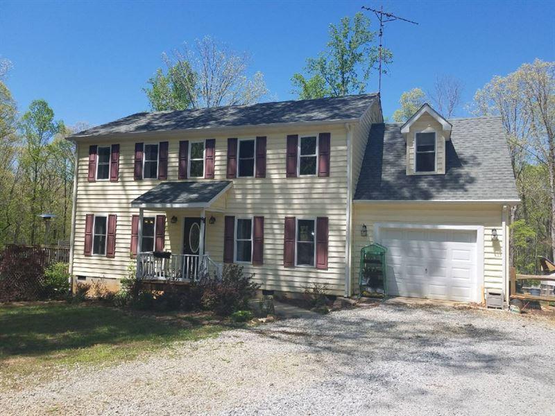 Home & Gardener's Dream : Farmville : Prince Edward County : Virginia