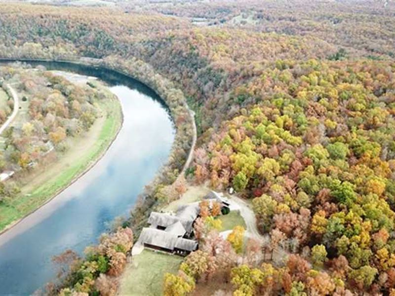7,160 Sq, Ft, Luxury Log Home on 8 : Mountain Home : Baxter County : Arkansas