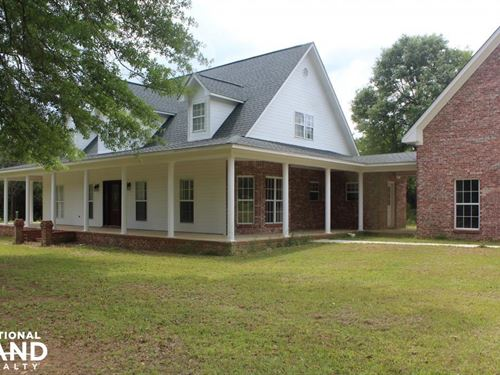 Beautiful Country Home Outside of : Bassfield : Jefferson Davis County : Mississippi