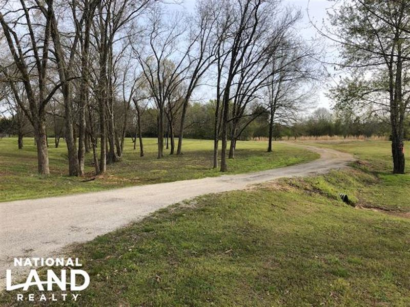Beautiful Hobby Farm on County Road : Abbeville : Lafayette County : Mississippi