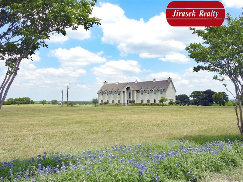 167.73 Acres With Two-Story Home : Burlington : Bell County : Texas