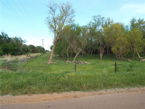 158 Acres Cropland & Grass Pasture : Crescent : Kingfisher County : Oklahoma