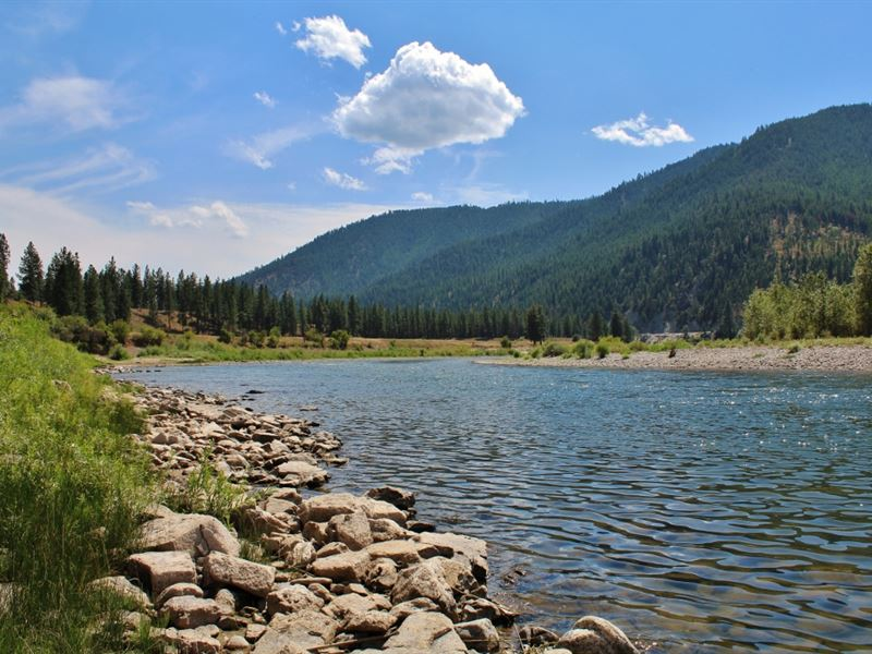 Western Montana 3/4 Mile Riverfront : Superior : Mineral County : Montana