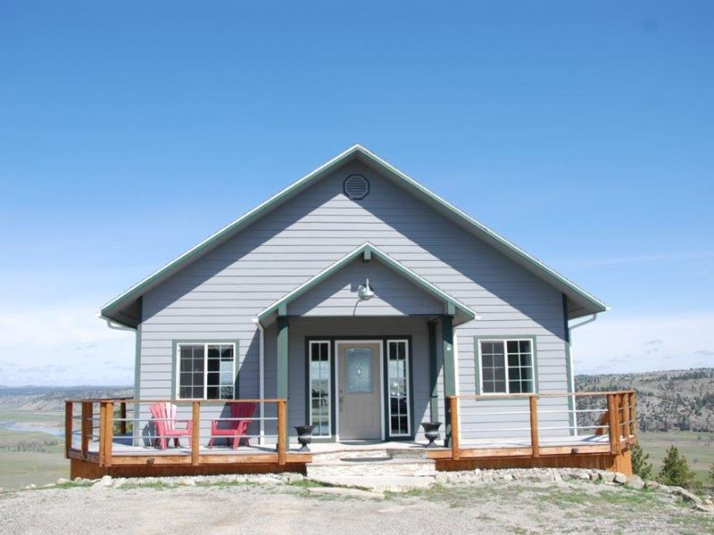 Custom Home Overlooking The Yellows : Columbus : Stillwater County : Montana