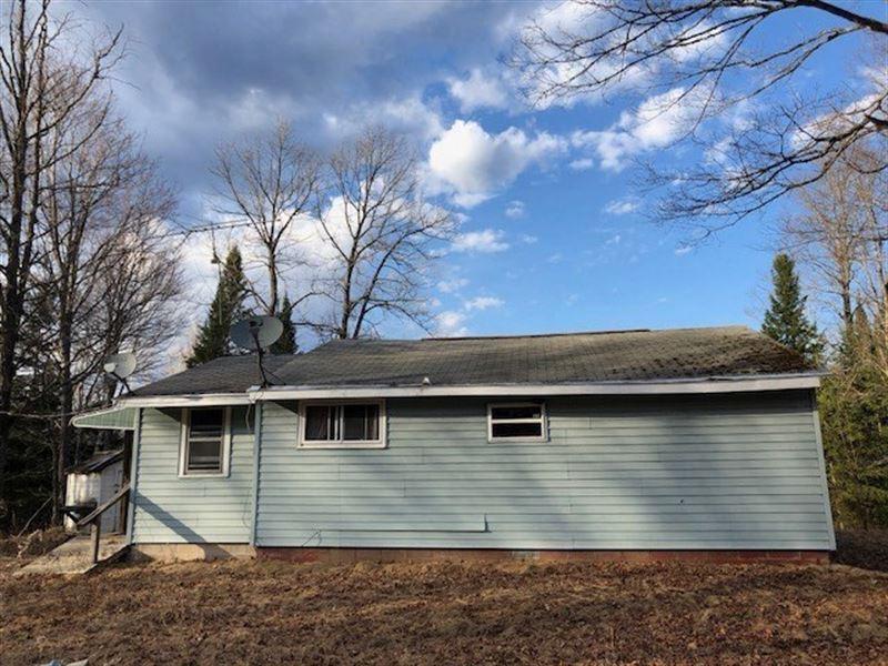 Rustic Cabin With 40 Acs, Electric : Republic : Marquette County : Michigan