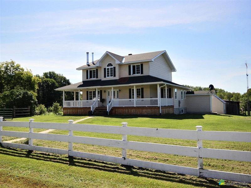 Modern Home On 300 Acres Sheenboro : Sheenboro : Quebec : Canada