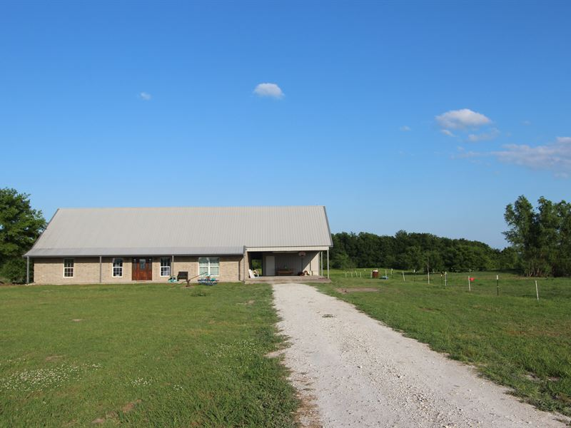 Ranch Style Country Home For Sale : Bogata : Lamar County : Texas