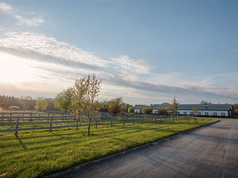 Reduced, 101 Acres Horse Farm : Russiaville : Howard County : Indiana
