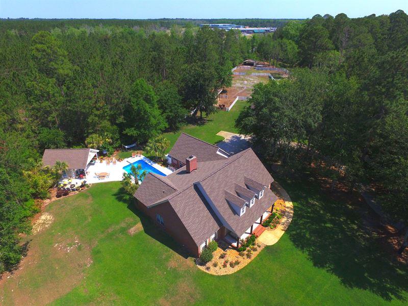 Beautiful Estate Home On Barrington : Jesup : Wayne County : Georgia