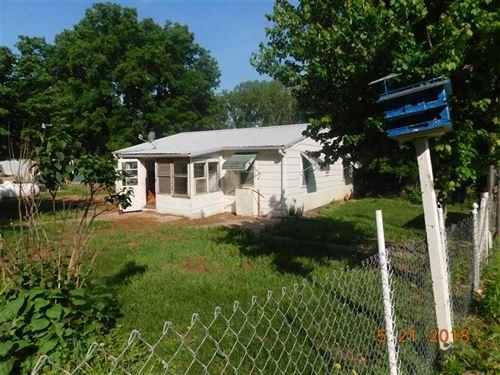 Cute Older Home on 6 Acres M/L in : Saint Joseph : Buchanan County : Missouri