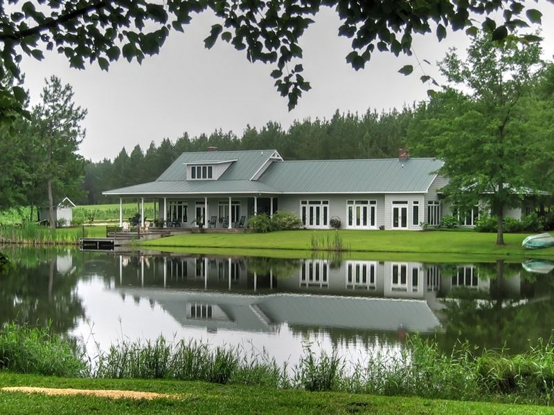 Beautiful Home, Pond And View : Twin City : Emanuel County : Georgia