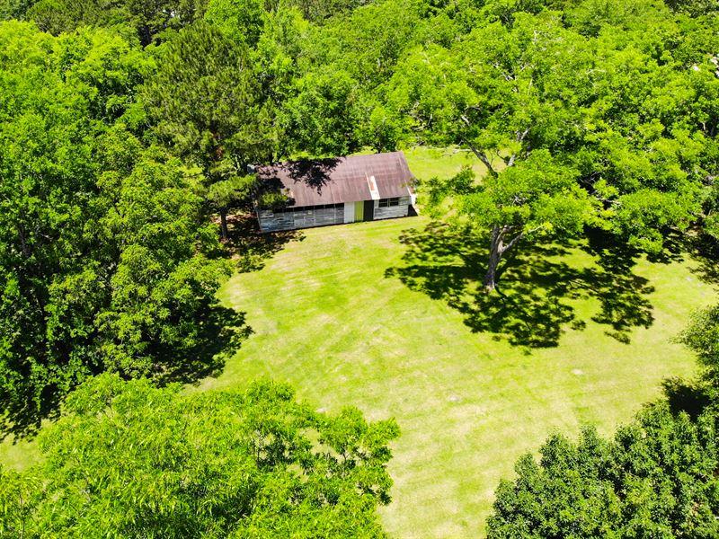 Beautiful Mini-Farm House Equipment : Chattahoochee : Gadsden County : Florida
