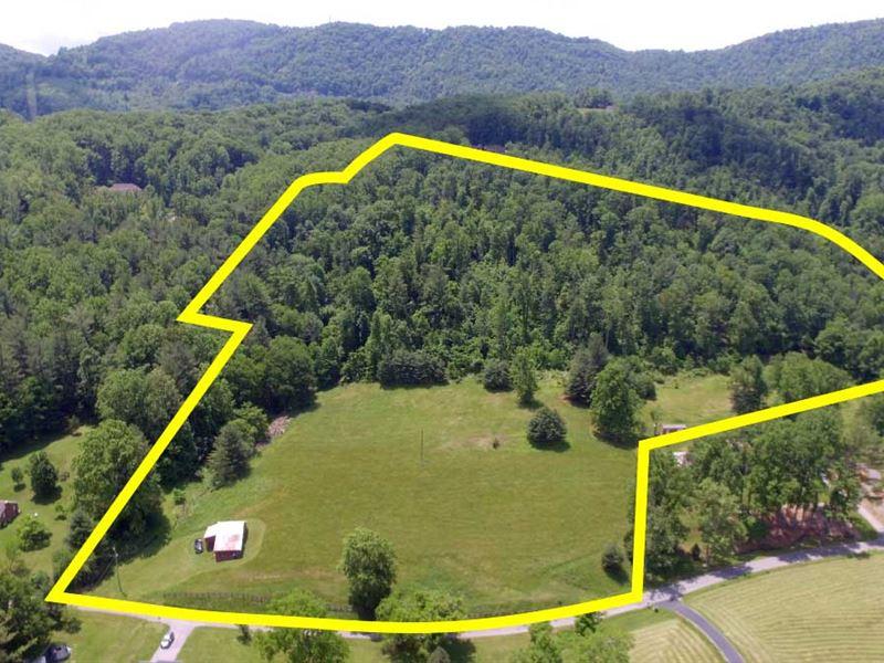 Secluded Mountain Views : Roanoke : Roanoke County : Virginia