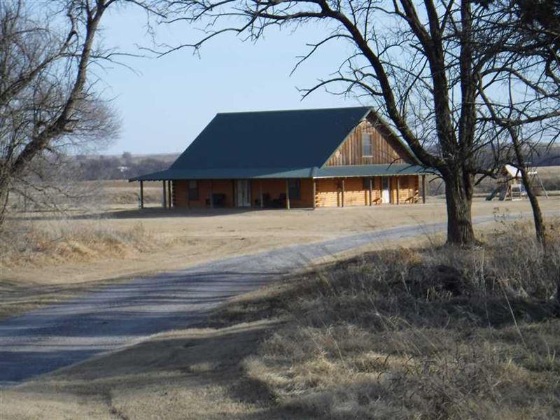 Log Cabin W/Wrap-Around Porch - 10 : Fort Cobb : Caddo County : Oklahoma