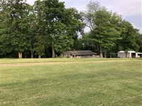 Two Country Homes on 20 Acres : Barnett : Morgan County : Missouri