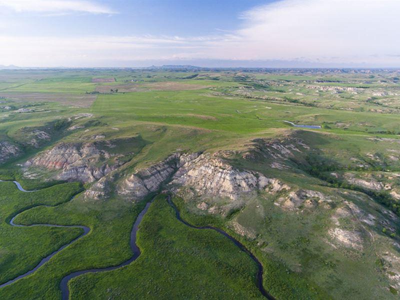 Volk Ranch : Sentinel Butte : Golden Valley County : North Dakota