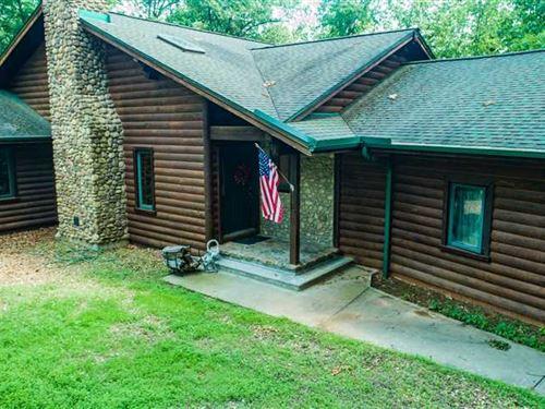 Beautiful Custom Home on 70 Acres : Lincoln : Benton County : Missouri