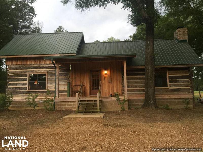 Unique Log Cabin & 153.7 Acres : Kosciusko : Attala County : Mississippi
