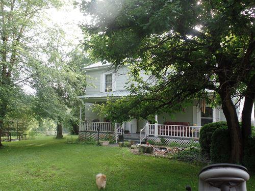Farmhouse + 25 Acres : Keysville : Charlotte County : Virginia