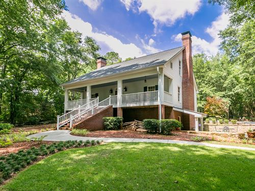 Colonial Style Home On 5+ Acres : Monroe : Walton County : Georgia