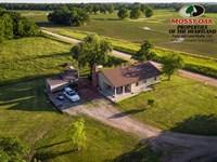 2 Bedroom 1 Bath House And 19 Acres : Neodesha : Wilson County : Kansas