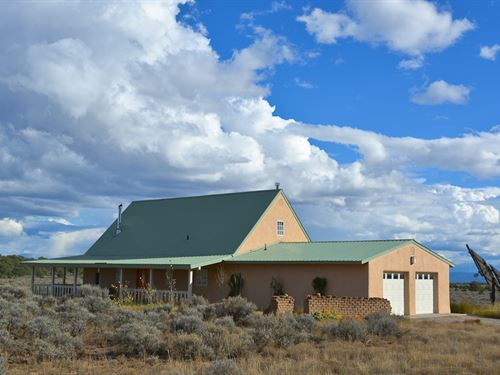 Big Sage 200 Acre Ranch House : Tres Piedras : Taos County : New Mexico