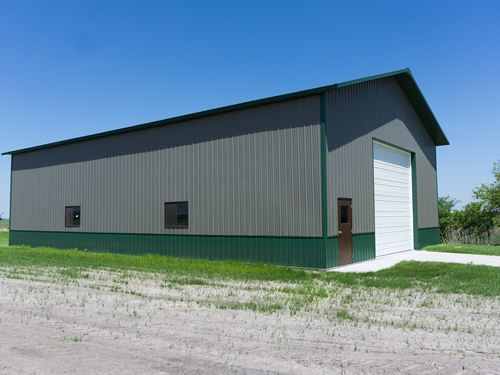 Valley 40 Acres With Outbuilding : Valley : Douglas County : Nebraska
