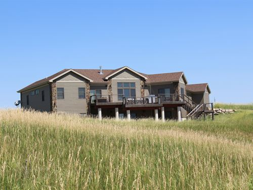 Luxury On The Missouri : Oacoma : Lyman County : South Dakota