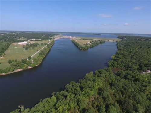 Waterfront Investment Property, 38 : Warsaw : Benton County : Missouri