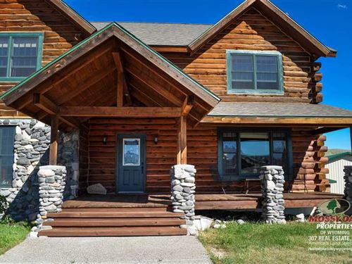 Five Bedroom, Four Bath Home on 9 : Cody : Park County : Wyoming