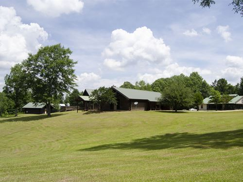 Hunting Ranch On 457 Acres : Florence : Simpson County : Mississippi