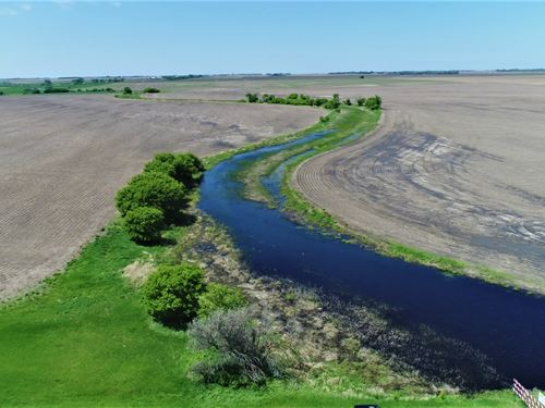 640+/- Acres In Beadle/Brown Co Sd : Huron : Beadle County : South Dakota