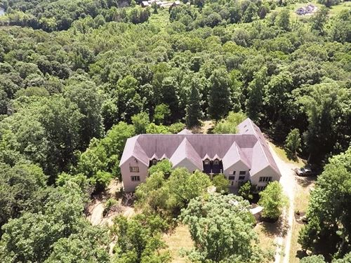 Auction Premiere Home On 16 Acres : Bloomington : Monroe County : Indiana