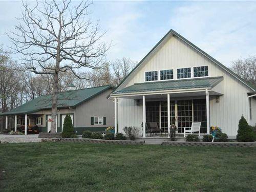 Beautiful Home And Cabin on 6 Acre : Clinton : Benton County : Missouri